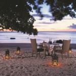 01 MRU Oberoi - Beach Dinner