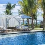 Mauritius - Hotel Pool in der Hotelanlage mit wunderschöner Aussicht auf den Strand- Ferien in Mauritius buchen lohnt sich