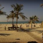 Dubai - Jumeirah beach park - Badeferien und Shopping lassen sich gut vereinbaren - Strand Luxushotel