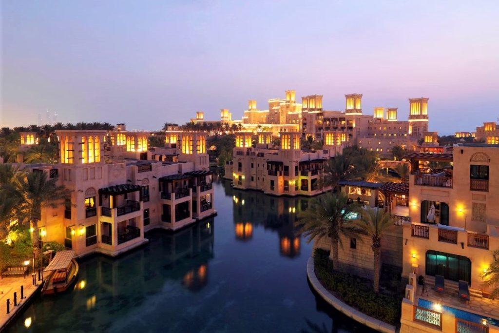 Dubai Luxusferien - Jumeirah Dar Al Masyaf - Romantisches Strandhotel in Dubai