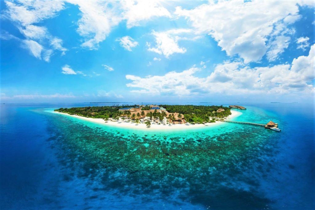 Malediven Badeferien - Reethi Faru Resort Luftaufnahme