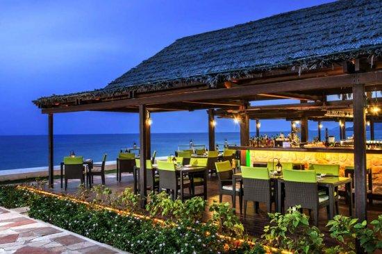 Le Méridien Al Aqah Beach Resort