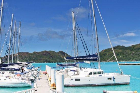 Praslin Dream (Premium) – Dream Yacht Charter, Seychellen