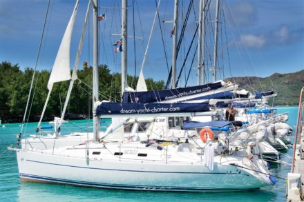 Beau Vallon - Eden Island Marina